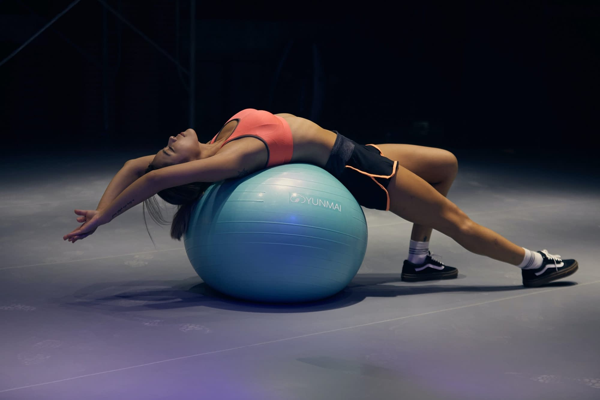 Apart from your usual back stretching routine, a back stretcher machine helps speed up the relief of your back pain